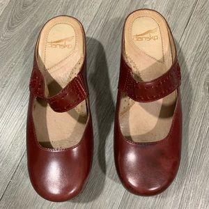 DANSKO SOLITAIRE IN RED VEG size 38